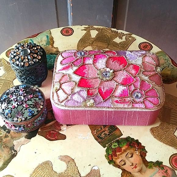 3 decorated containers